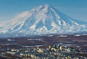 Веб-камера Петропавловск-Камчатский, вулкан Корякская сопка в реальном времени